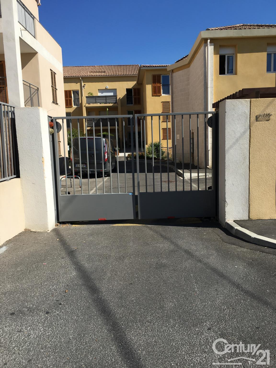 Century 21 le pays salonais parking garage 15 m salon de provence 13 louer 202 2889 13243 - Location garage salon de provence ...