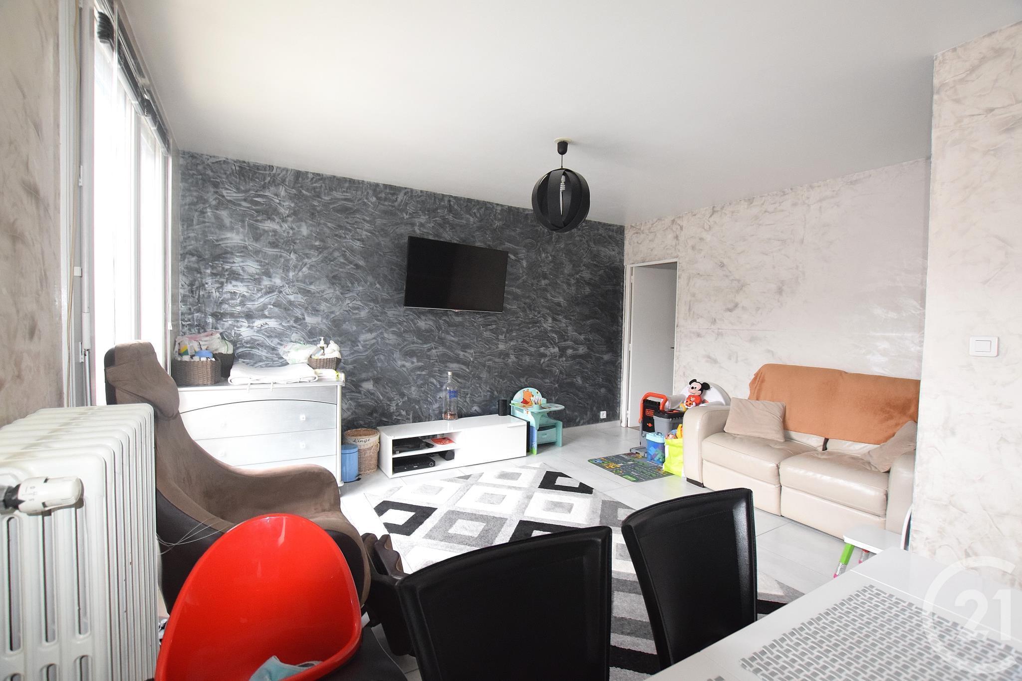 Vente appartement loire 42 annonces appartements vendre for Garage lapeyre rive de gier